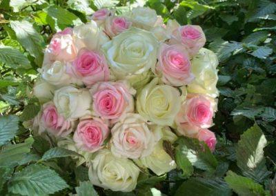 Mariage de Roses, de Perles et de Dentelles